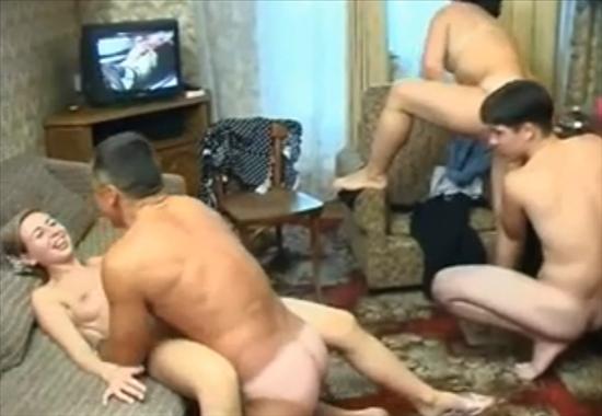 Порно сынок и мамка 4 фотография
