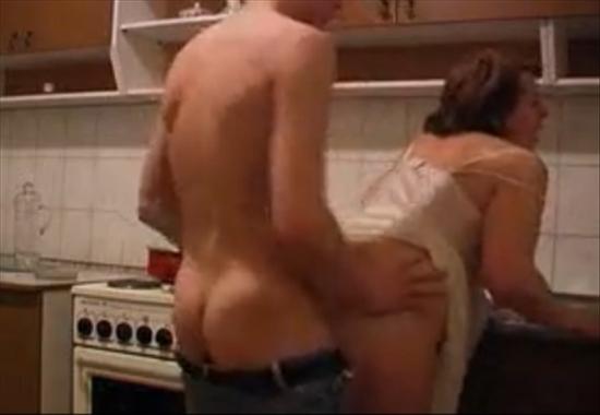 Секс порна дамашный сынок непустил маму на свиданию и трахнул смотрейт бесплатно