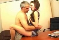 Взрослый Мужчина Бабник Мирится С Молодой Любовницей На Работе