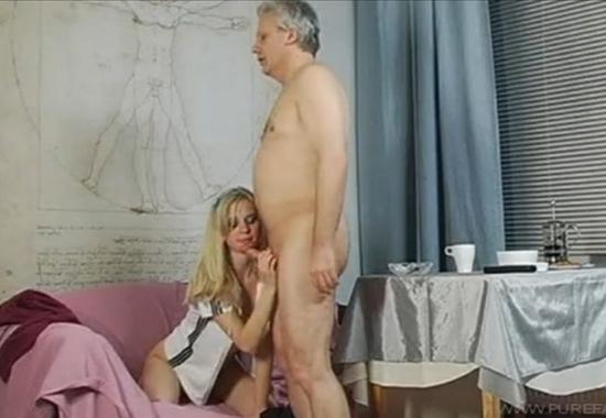 бесплатное видео отец ебёт дочку: