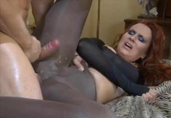 Порно мама в постели с сыном