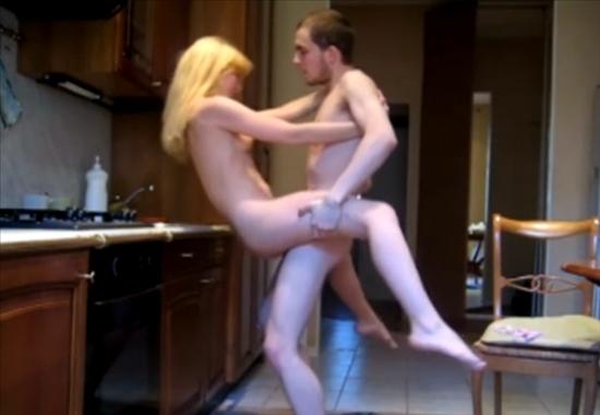 Выебали девку на кухне фото 670-463