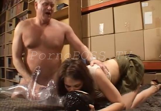 Секс женщины резиновым мужчиной ру