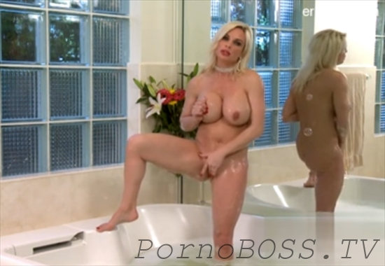 Гламурная блондинка возбудила, порно с бондаревой святой