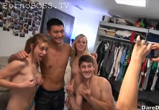 Обряд посвящения первокурсниц порно, лизание сосание яиц фото