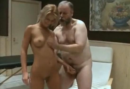Секс с бородатым в бане — img 2