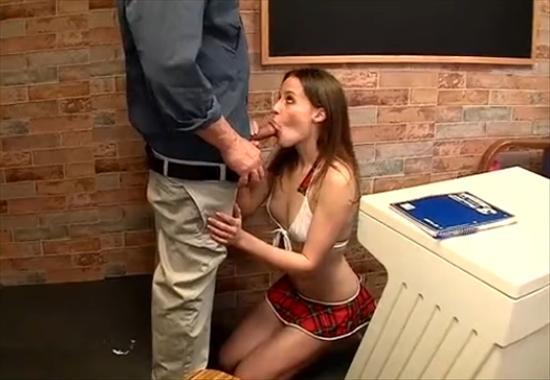 Порно про новичков в классе видео фото 128-322