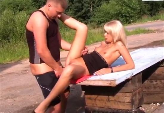 seks-parni-razveli-babu-na-seks-russkoe-video-ebut-tualete-smotret