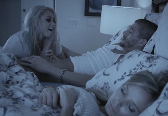 Смотреть порно папа ночью с подругой дочки