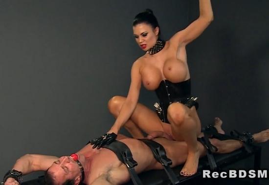 секс с дикой шлюхой