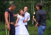 Русская Невеста Оттрахана На Природе Мужем И Его Друзьями