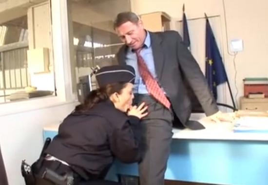 Голая Итальянская Пленница Отдалась Немцу На Допросе