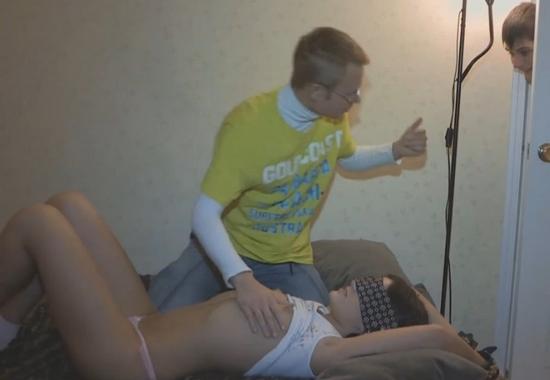 porno-video-soset-chuzhoy-chlen-s-zavyazannimi-glazami