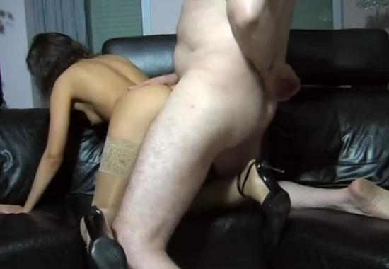 Порно онлайн в сауне в комнате отдыха фото 115-726