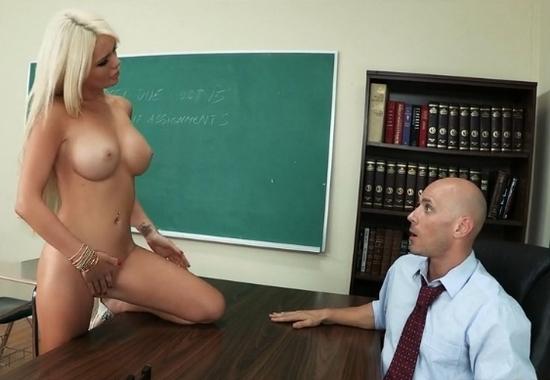 Секс профессора и студенток фото 585-685
