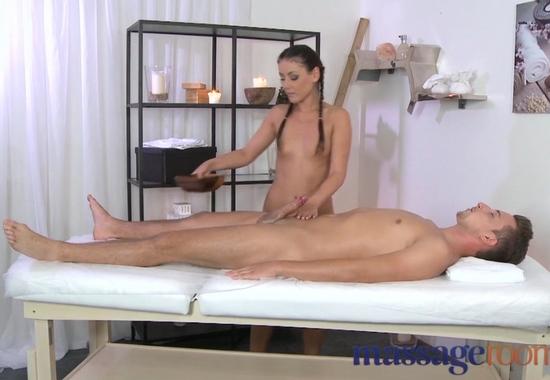 lyubitelskiy-seks-na-massazhnom-stole