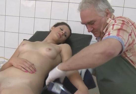 Секс лесбиянок в женской консультации, фото камшоты много спермы