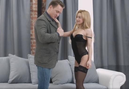 Секс с молоденькой куртизанкой