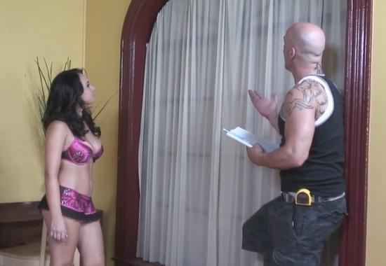 Массажист трахает еврейку в тугую пизду. Порно и секс видео.