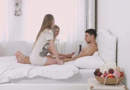 Порно как девушка застала своего парня с ее подругой — pic 13