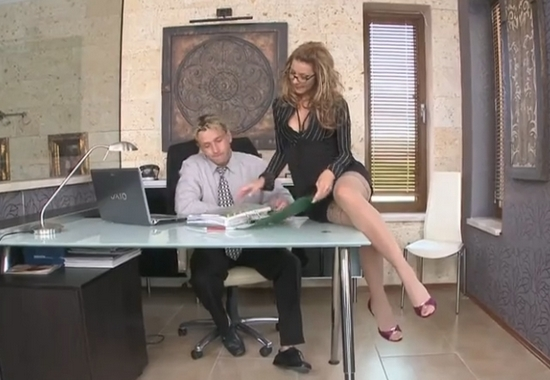 Девушки порно видео взял силой в офисе кайден